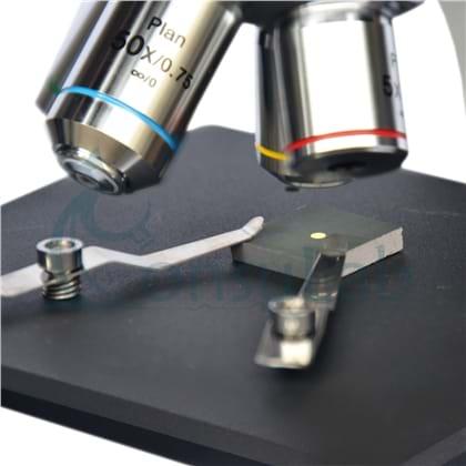 Microscópio Metalográfico Trinocular com Ampliação de 50x, 100x, 200x e 500x ou até 1.000X (Opcional)